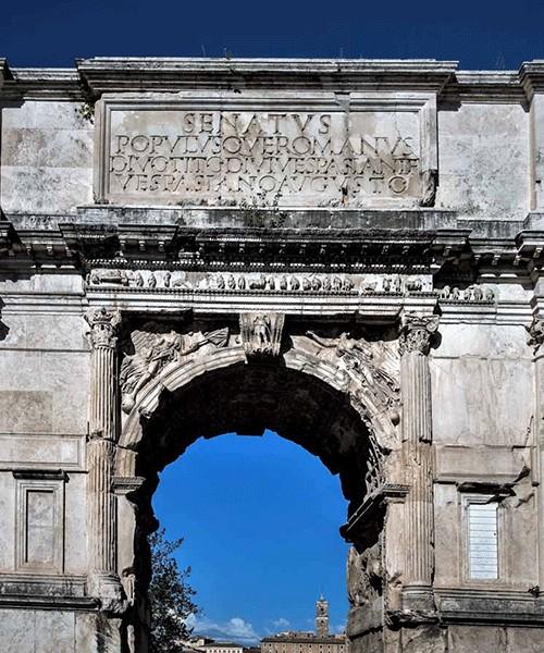 Łuk triumfalny cesarza Tytusa, Forum Romanum, napis upamiętniający Tytusa i jego ojca, cesarza Wespazjana