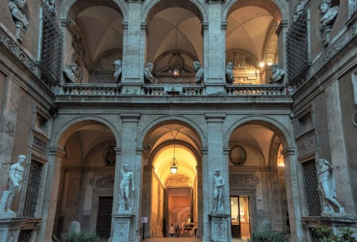 Carlo Maderno, courtyard of the Palazzo Mattei di Giove