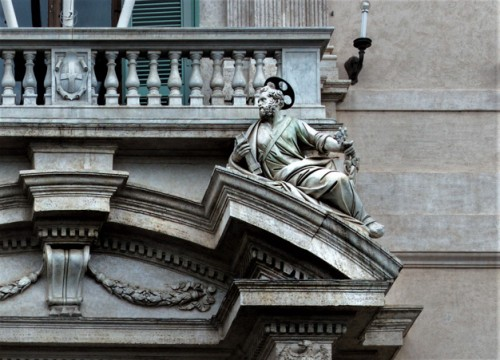 Stefano Maderno, enterance portal with statue of St. Peter, Palazzo del Quirinale