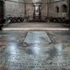 Płyta nagrobna Olimpii Maidalchini w chórze opactwa San Martino al Cimino