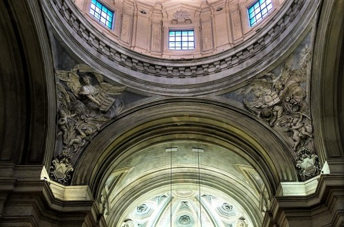 Giovanni Battista Maini, anioły w żagielkach kopuły kościoła Santi Luca e Martina