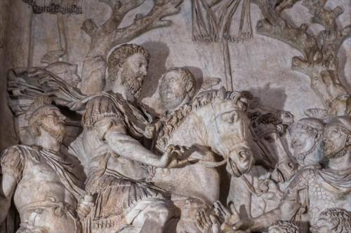 Cesarz Marek Aureliusz wśród żołnierzy i poddanych, relief z niezachowanego pomnika cesarza, fragment, Musei Capitolini