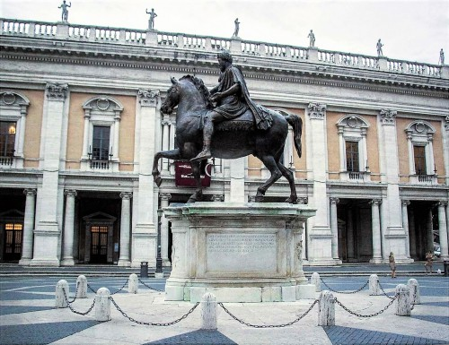 Posąg konny Marka Aureliusza (kopia), plac Kapitoliński