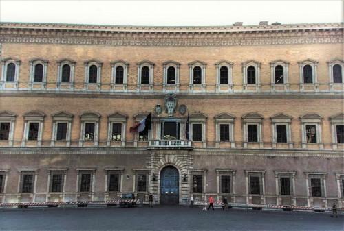 Michał Anioł, fasada Palazzo Farnese