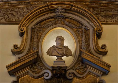 Palazzo Pamphilj, Galleria Serliana, nisza z popiersiem jednego z cesarzy rzymskich