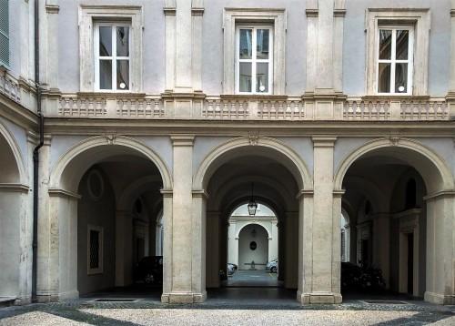 Palazzo Pamphilj, jeden z trzech dziedzińców pałacowych