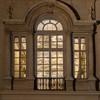 Palazzo Pamphilj, Galleria Serliana w nocy, widok od strony Piazza Navona