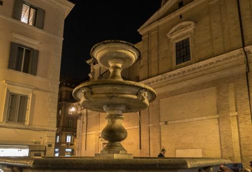 Giacomo della Porta, fountain in Piazza della Madonna dei Monti