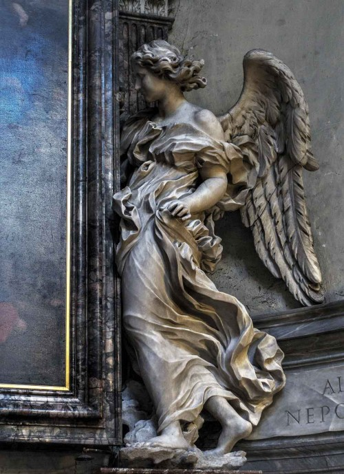 Basilica of Santa Maria del Popolo, angel supporting a painting – right transept (Antonio Raggi)
