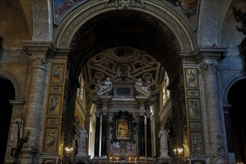 Basilica of Santa Maria del Popolo, main altar with the miraculous image of the Virgin Mary, XIII century