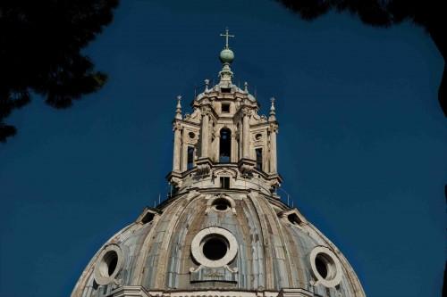 Santa Maria di Loreto, latarnia wieńcząca kopułę