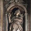 Santa Maria di Loreto,  anioł w absydzie kościoła, Stefano Maderno