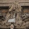 Santa Maria in Monserrato, przyczółek wejściowy z przedstawieniem Madonny z góry Montserrat