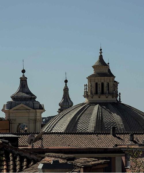 Płaska kopuła kościoła Santa Maria in Montesanto, widok ze wzgórza Pincio