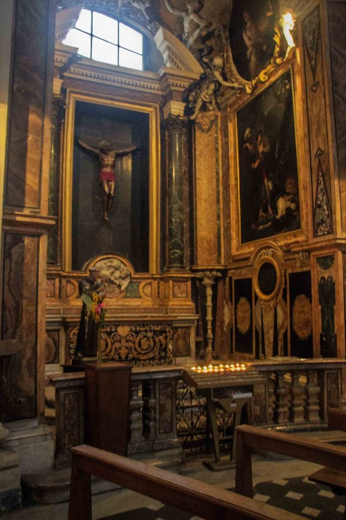Church of Santa Maria in Montesanto, Chapel of the Crucifix