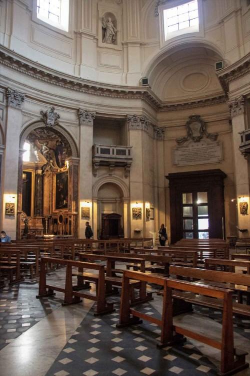 Santa Maria in Montesanto, nad wejściem tablica upamiętniająca fundację kardynała Girolamo Gastaldiego