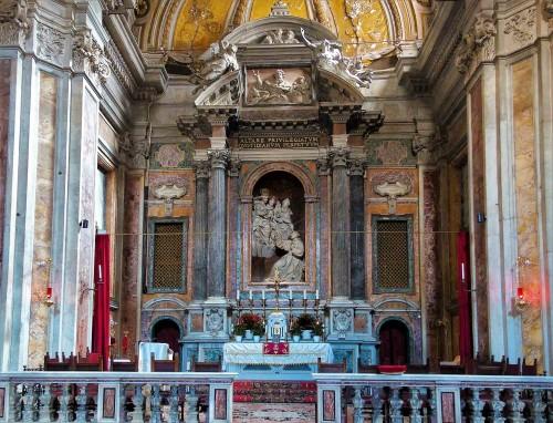 San Nicola da Tolentino, ołtarz główny