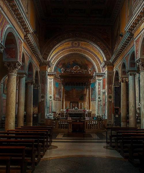 San Nicola in Carcere, nawa główna