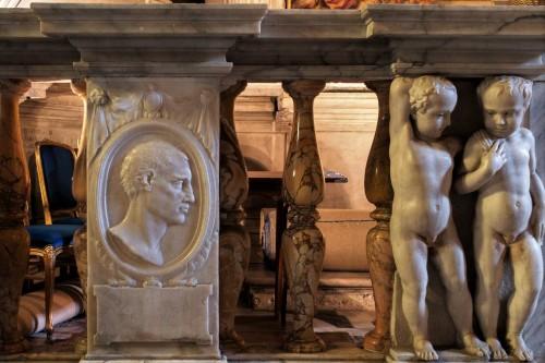 Church of San Pietro in Montorio, balustrade of the del Monte Chapel, putti and portraits of members of the del Monte family, Bartolomeo Ammannati