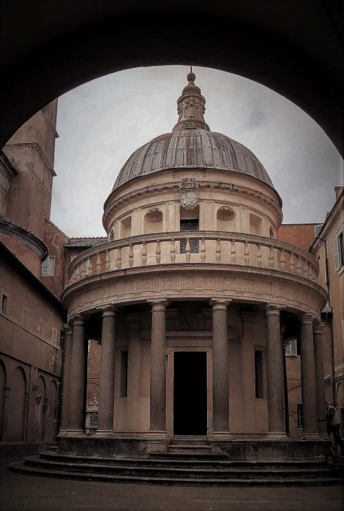 Tempietto (Kaplica Męczeństwa św. Piotra), Donato Bramante, świątynia w  wirydarzu kościoła San Pietro in Montorio