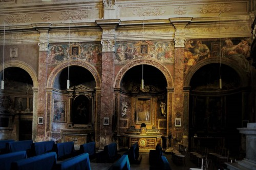 View of the left nave with Renaissance paintings at the base of the arcades, Church of San Pietro in Montorio
