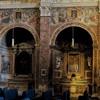 Widok lewej nawy z renesansowymi malowidłami u nasady arkad, kościół San Pietro in Montorio