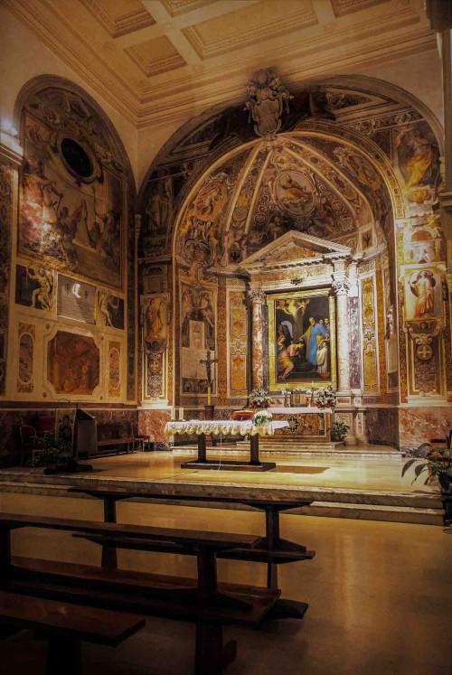 Santa Prisca, widok transeptu i absydy z ołtarzem głównym