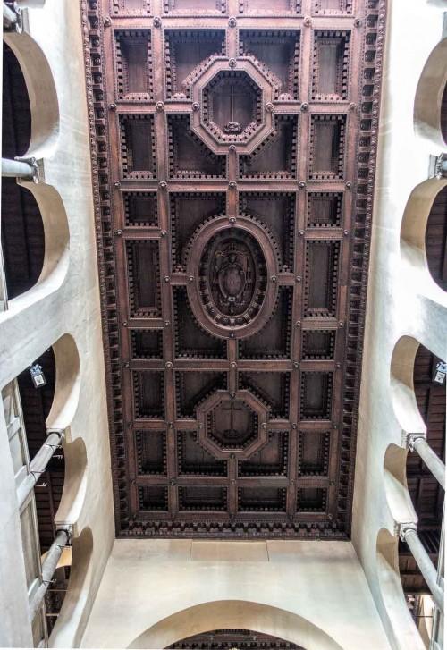 Santi Quattro Coronati, drewniany strop kościoła z XVI w.