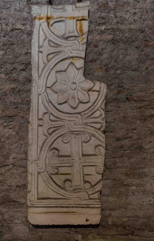 Santi Quattro Coronati, kaplica Santa Barbara, pozostałości ze średniowiecznych dekoracji pierwotnego kościoła