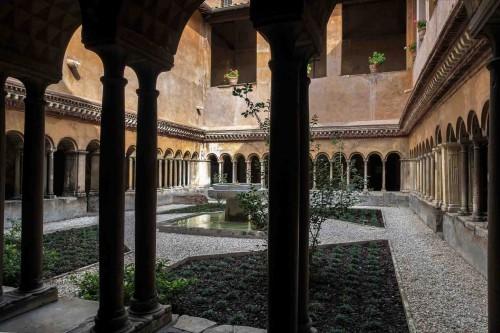 Santi Quattro Coronati, krużganki