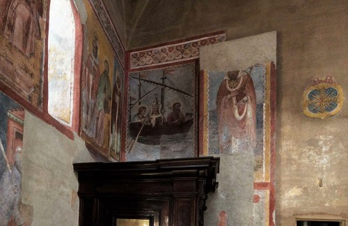 Basilica of Santi Quattro Coronati, wall of the left nave, The Barque of St. Peter and an unknown saint, frescoes from the XIV century
