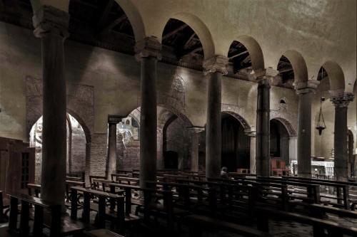 San Saba, widok na  czwartą nawę, dobudowaną w XIII w.