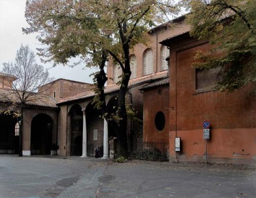 Santa Sabina, wejście do kościoła od Piazza San Pietro d'Illiria