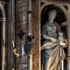 Kościół Santa Maria di Loreto, prezbiterium, św.-Cecylia - Giuliano-Finelli, św.-Agnieszka - Pompeo Ferrucci (po-lewej)