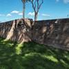 Mury okalający dawny kościół San Stefano Protomartire przy via Latina