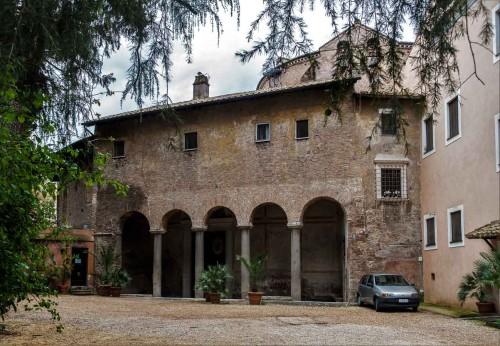 San Stefano Rotondo, średniowieczna fasada kościoła