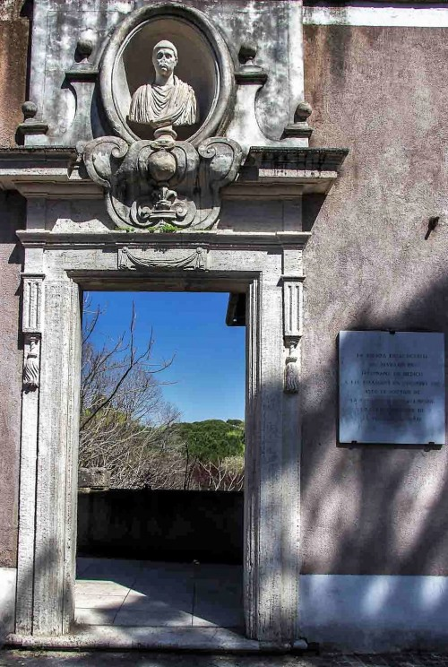 Enterance into the private pavilion of Cardinal Ferdinand de Medici, Villa Medici