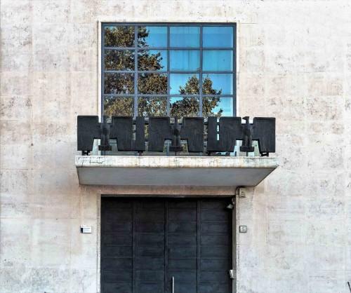 Luigi Moretti, Casa del Balilla, Largo  Ascianghi 5, balcony