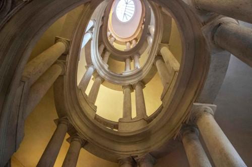 Palazzo Barberini, klatka schodowa w prawym skrzydle pałacu (scala elicoidale), Francesco Borromini