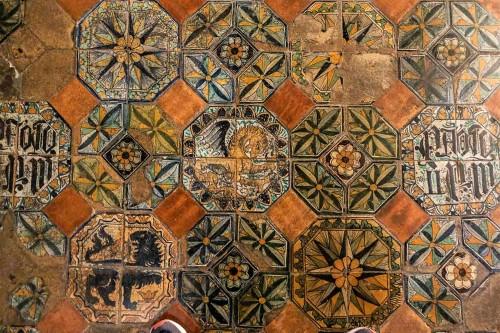 Palazzo Venezia, płyty posadzkowe w apartamentach papieskich