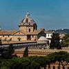 Palazzetto Venezia, w tle kopuła kościoła Sant'Andrea della Valle