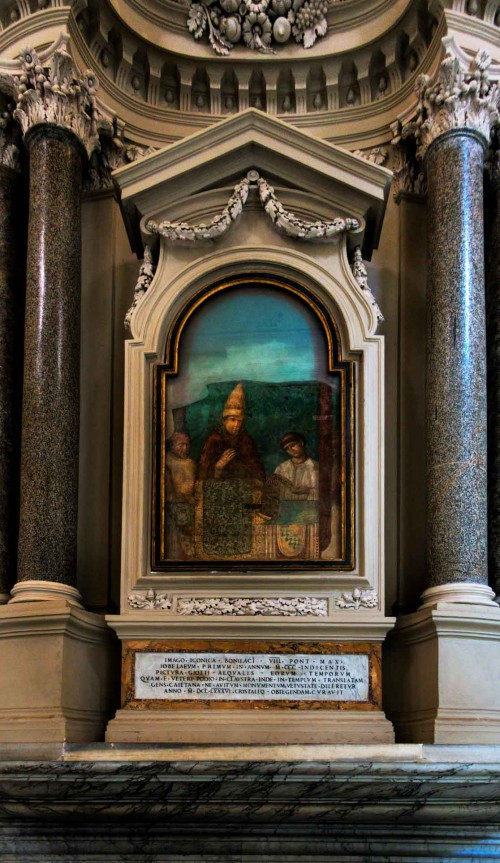 Altar with a fresco depicting Boniface VIII inaugurating the Jubilee Year, Basilica of San Giovanni in Laterano