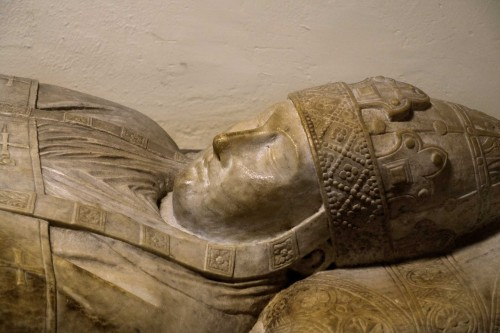 Sarcophagus of Pope Boniface VIII, fragment, Arnolfo di Cambio, Vatican Grottoes
