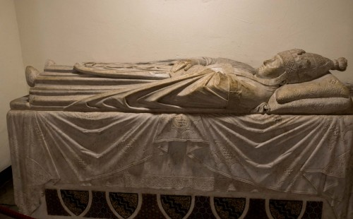 Sarcophagus of Pope Boniface VIII, Vatican Grottoes, Arnolfo di Cambio, Basilica of San Pietro in Vaticano
