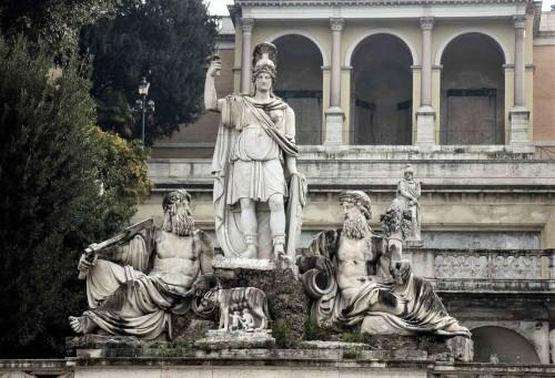 Piazza del Popolo, bogini Roma i personifikacje Tybru i Arno - wschodnia część placu