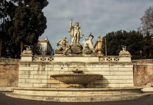 Piazza del Popolo, Neptun i trytony - zachodnia strona placu