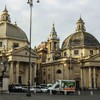 Piazza del Popolo, południowa strona - kościoły Santa Maria dei Miracoli i  Santa Maria di Montesanto