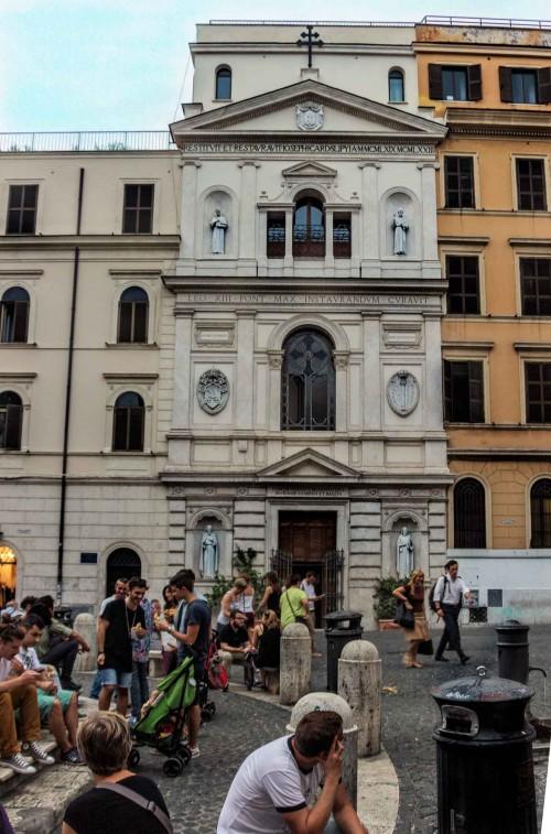 Piazza della Madonna dei Monti, fasada kościoła śś. Sergiusza i Bachusa