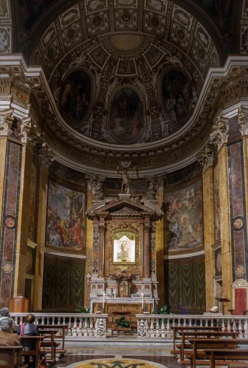Piazza della Madonna dei Monti, wnętrze kościoła Santa Maria ai Monti