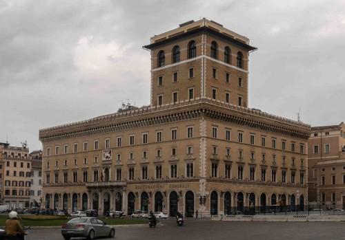 Piazza Venezia, Palazzo delle Assicurazioni Generali di Venezia (building of the Venice Insurance Company)
